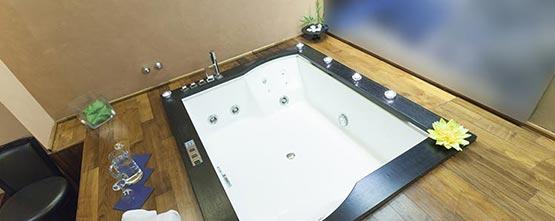 baignoire balneo spa à Nîmes